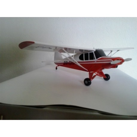 MAQUETE AEROBOERO AB-115