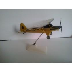 MAQUETE PIPER J-3 CUB