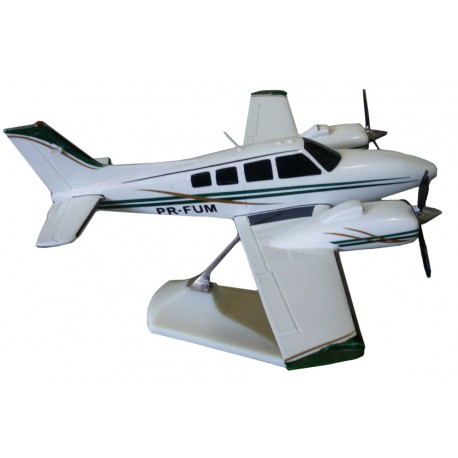 MAQUETE BARON BE-58